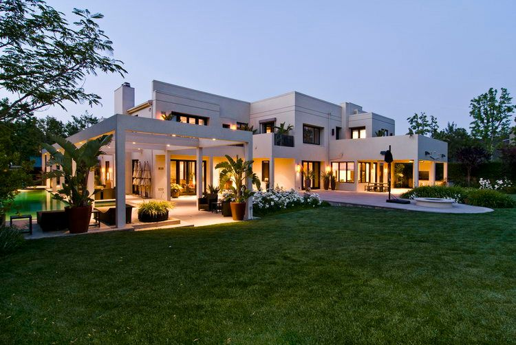 Contemporary Houses | Big Contemporary House With Dark Interior Filled With  Light