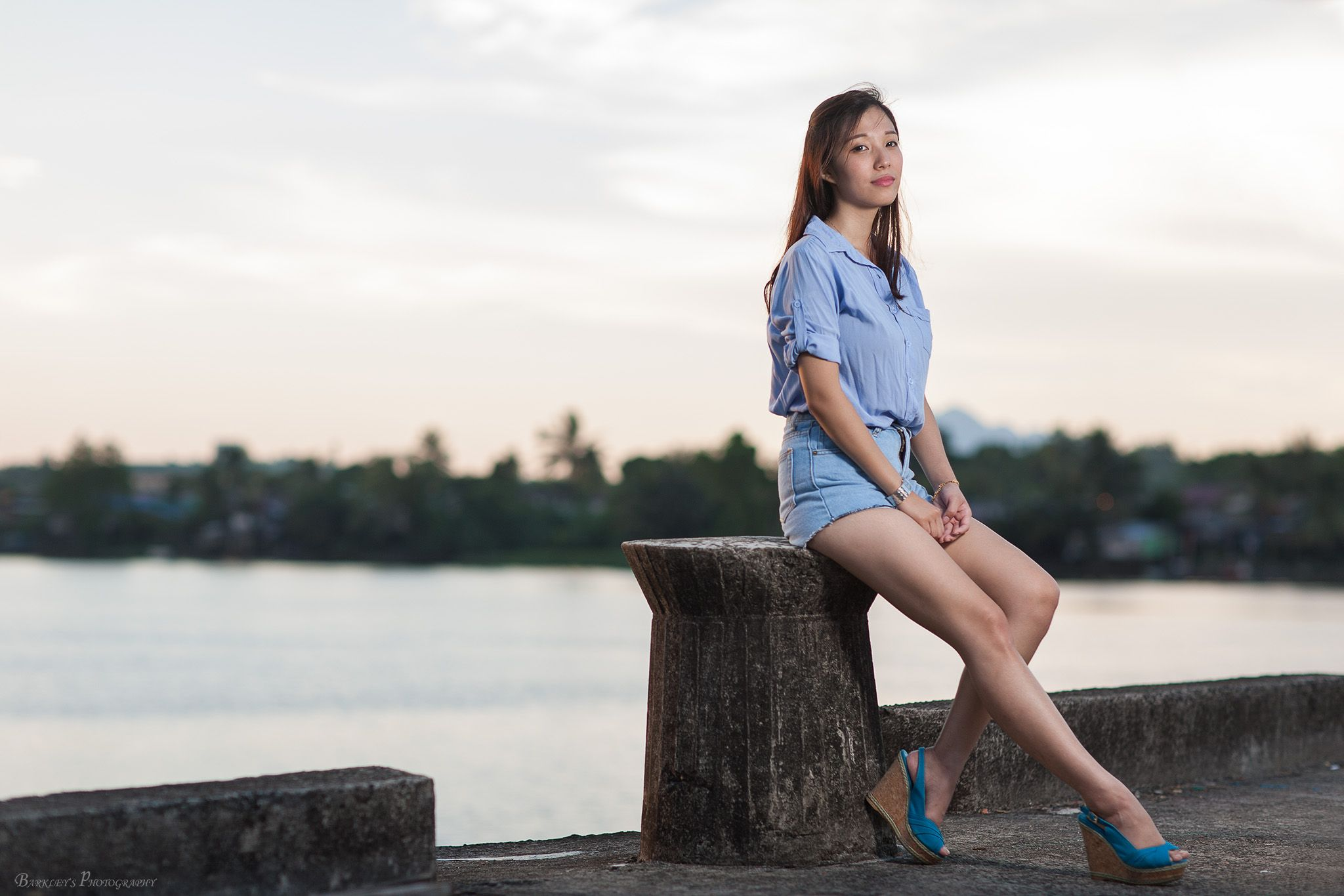 Shutter: 1/200sec, Aperture: F2.2, ISO: 50, Focal Length: 85mm, Strobe: Beauty dish with Off shoes Flash (Yongnuo YN460) to the right of talent