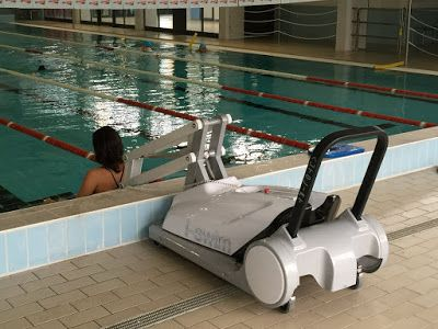 I swim 2 portable user operated pool lift see it for Pool design 974