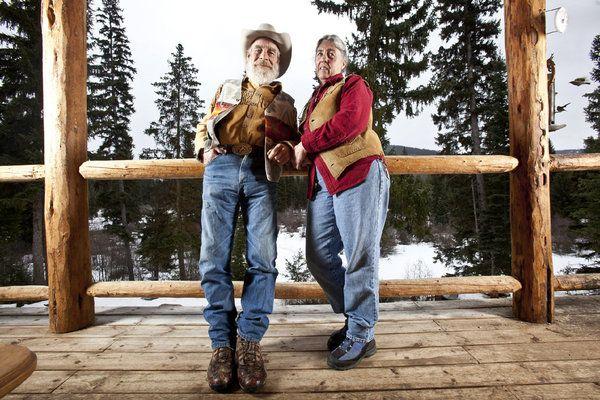 Tom Oar Moccasins Tom Oar And His Wife Nancy Oar In Mountain Men
