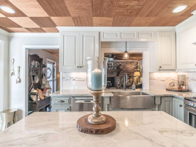 Quartzite Kitchen Countertops Sea Pearl Greenville Sc East Coast Granite Tile 12