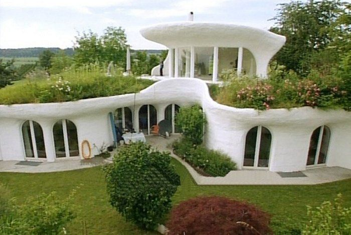 20 Amazing Homes With Grass Roof Designs Earthship Home Earthship Earth Homes
