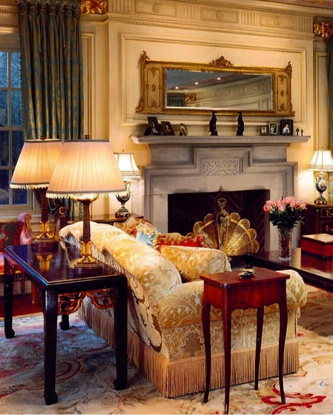 Timeless Design Via Nidiaperez52 Itsforever Antiquelovers French Antique Homedec Living Room Warm Living Room Decor Traditional Traditional Living Room