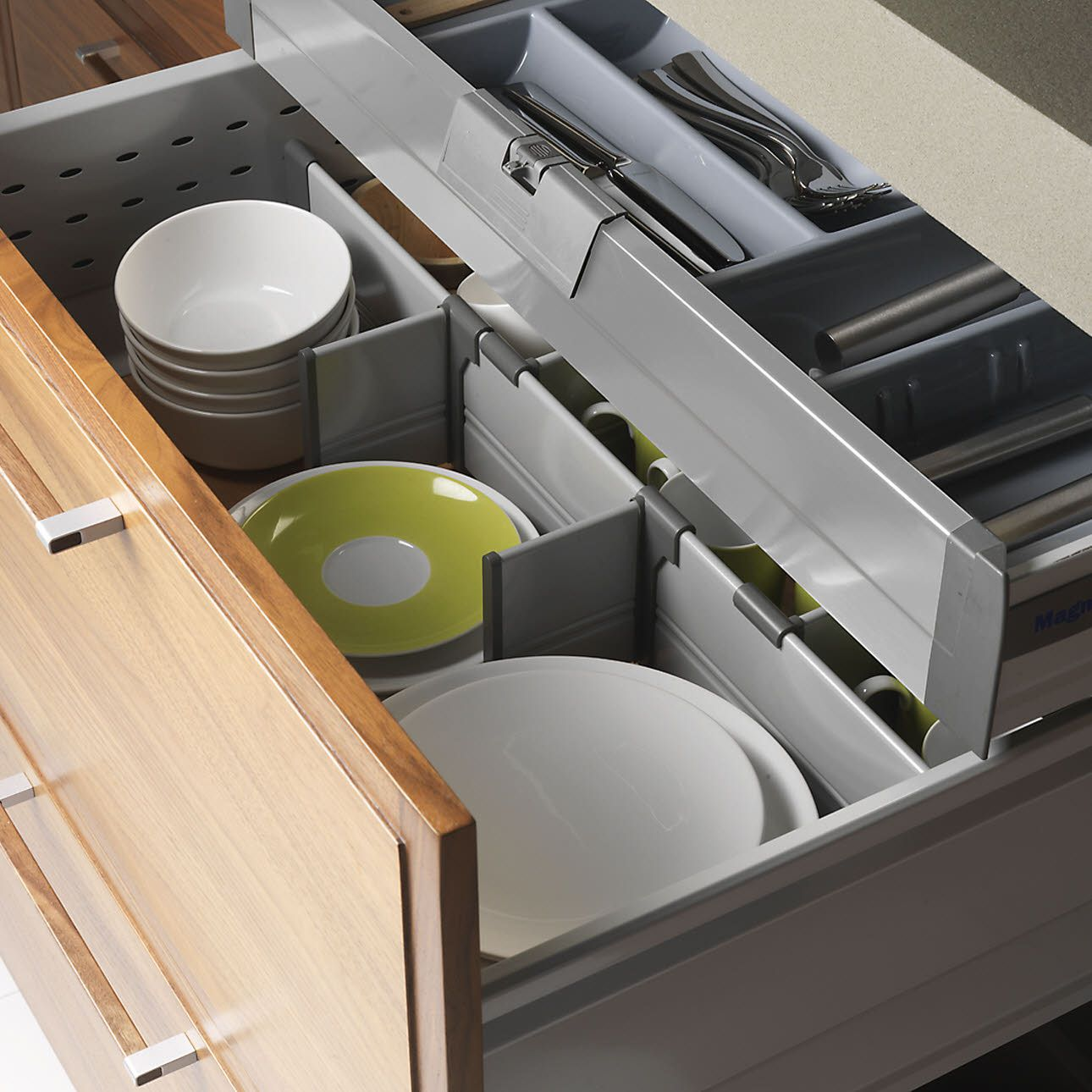 This Shallow Internal Drawer Unit Is A Neat Way To Maximize Storage Thanks The Pan