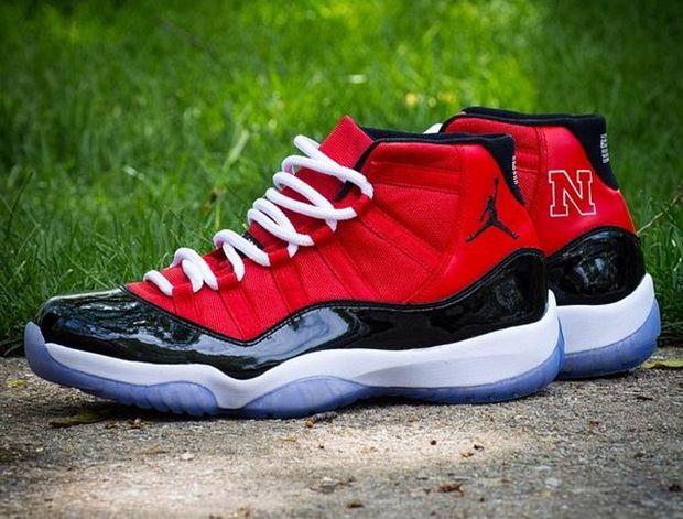 http://www.sneakerfiles.com/2014/05/28/air-jordan-xi-11-big-ten-custom-collection/