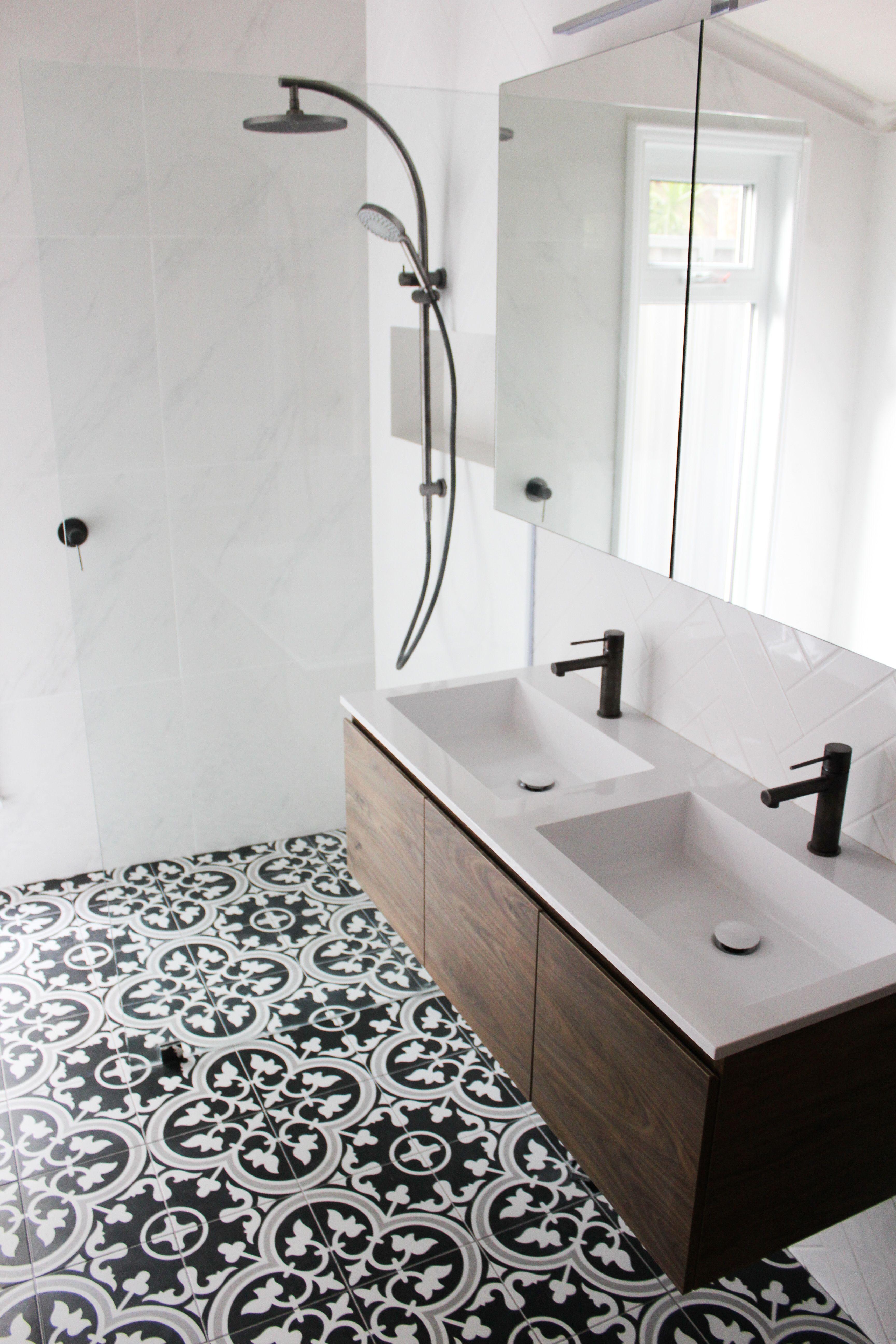 Encaustic Bathroom Black And White Encaustic Bathroom Dark Patterned