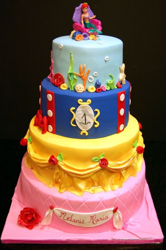 Disney Princesses cakewhat I would give to have that cake