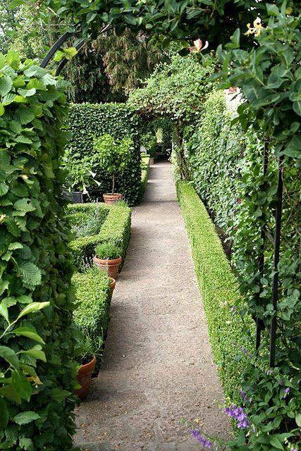 Pin Von Patti Lahaie Auf Outdoor Living Garten Gruner Garten Cottage Garten