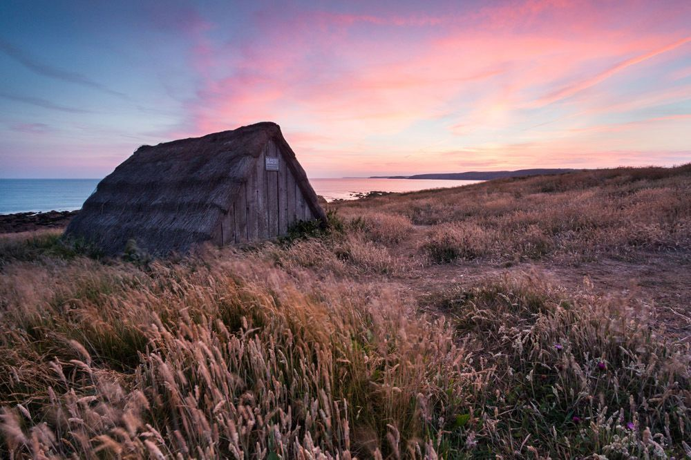 click for more http://earth66.com/rural/freshwater-west-pembrokeshire-britain/