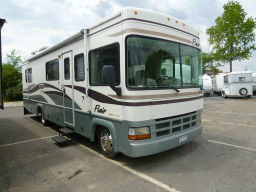Check out this 2000 Fleetwood Rv Flair 30H listing in Kings