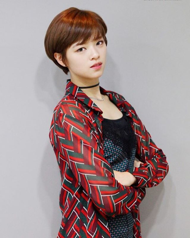 Jeongyeon Kpop Pinterest Short Hair And Kpop