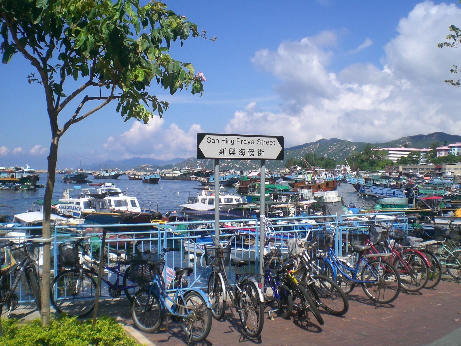Blue Skies Fresh Sea Air And Leisurely Strolls On Cheung Chau Tiket Ocean Park Bsd Island Hongkong Via Amanda