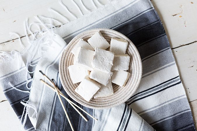 Recipe Box: Ultimate Summer S'mores with Homemade Flavored Marshmallows and Graham Crackers #flavoredmarshmallows