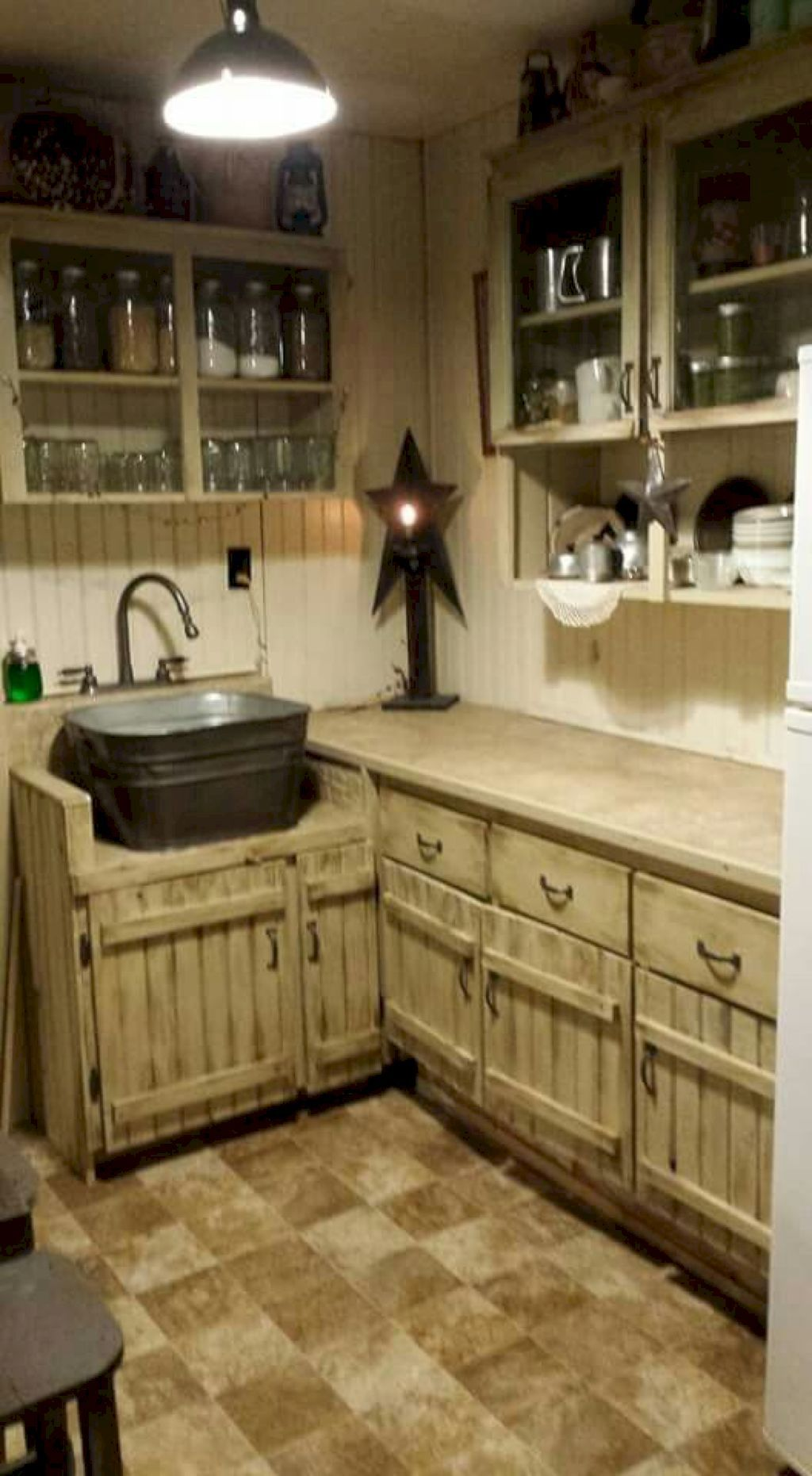 40 Inspiring Rustic Farmhouse Kitchen Cabinets Remodel