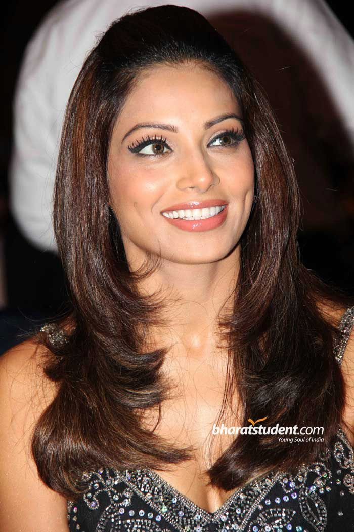 bipasha basu with husband