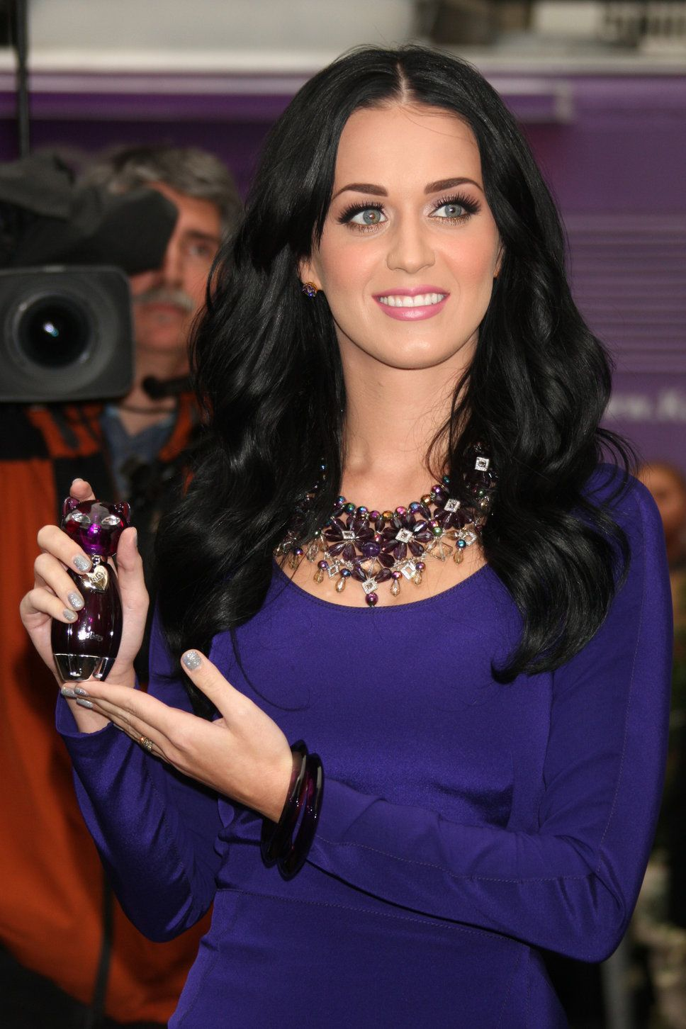 8a5be69f40b katy perry black hair | Hair | Katy perry, Katy perry gallery, Katy ...