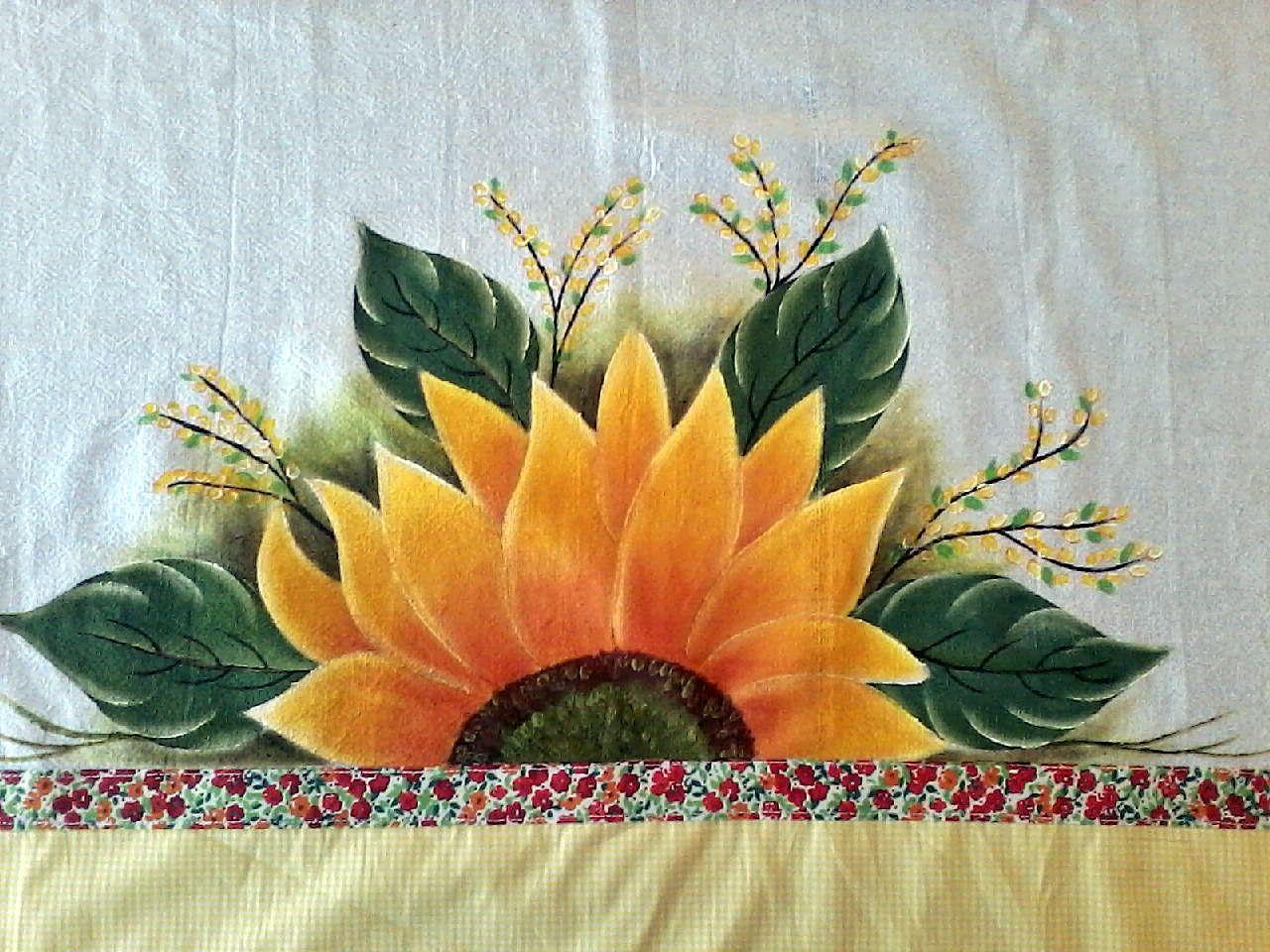 Pano de copa com barrado em tecido e pintura em tecido.