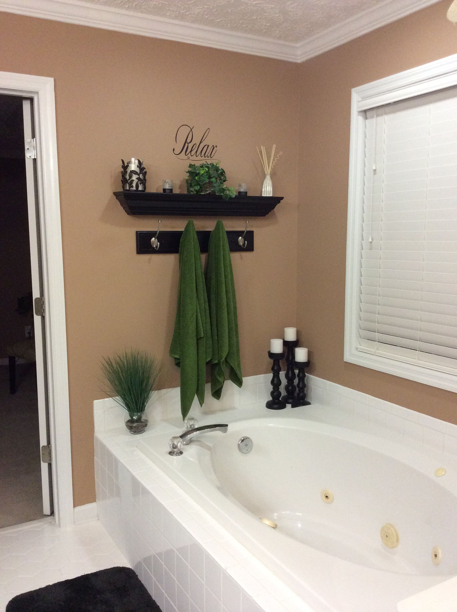 Bathroom Garden Tub Wall