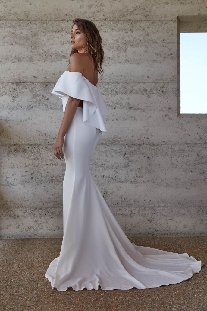 Lotta | Reign, Bridal gowns and Centre