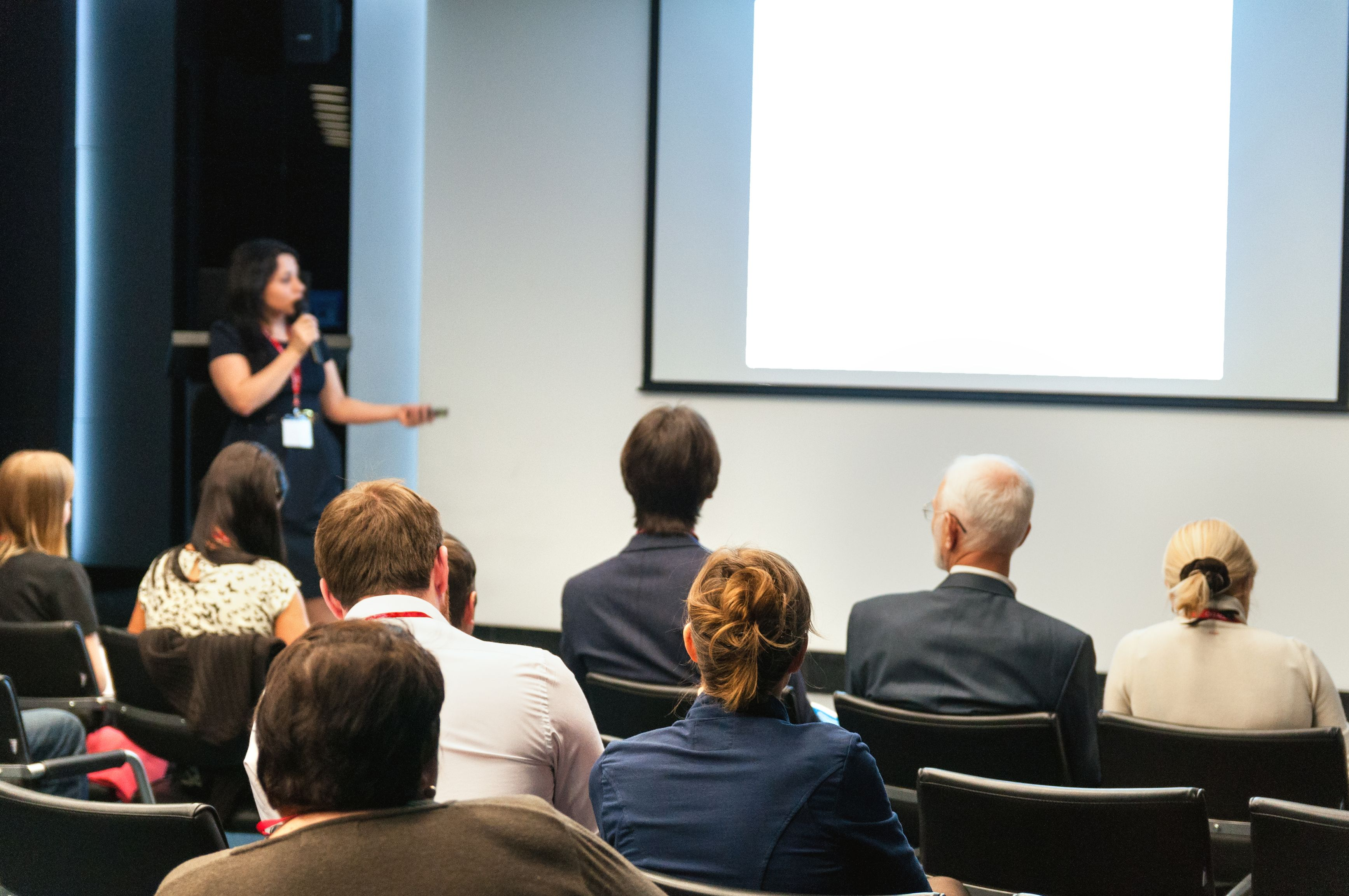 Training Room Tips Must you go for Public Speaking Course