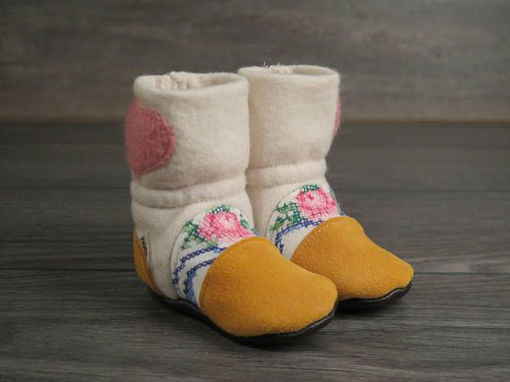 Nooks Design felted lambswool booties/slippers Size 2.5 0-6