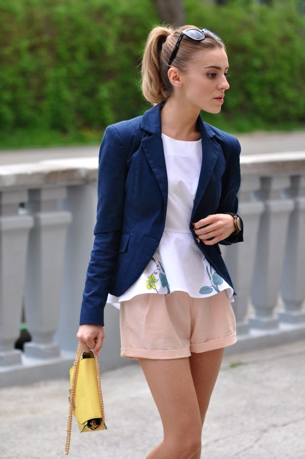 Elegant outfit with pink shorts | Make Life Easier