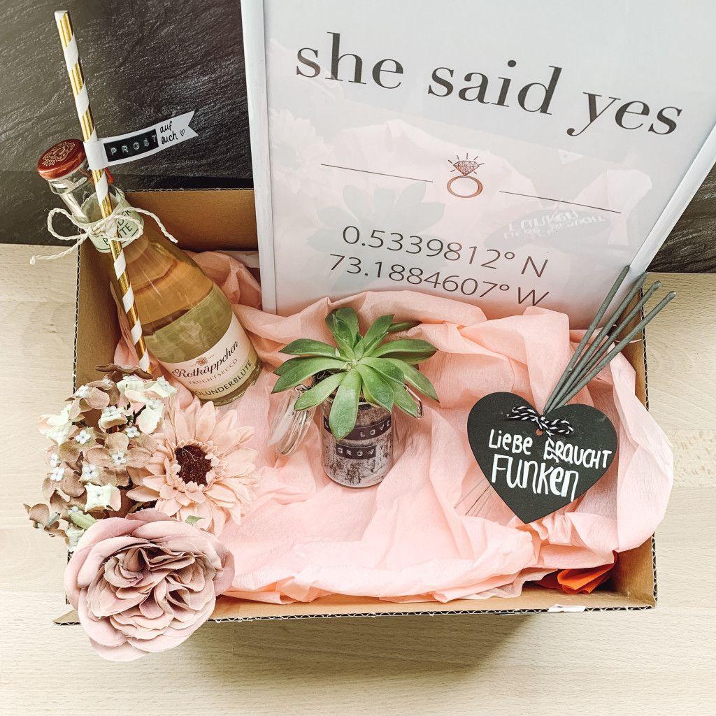 Ein Geschenk für eine Hochzeit oder Verlobung muss her