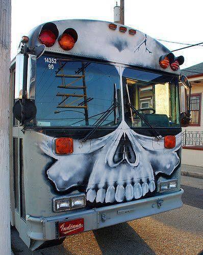 dreams of a future tour bus | Street art graffiti ...