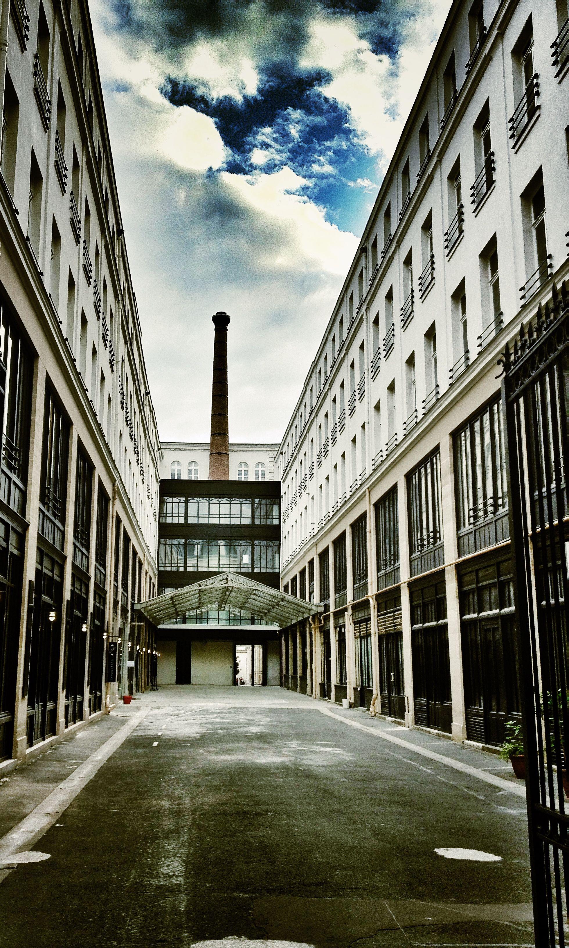 74, rue du Faubourg Saint-Antoine - Paris 12ème.  © Copyright Yves Philippe