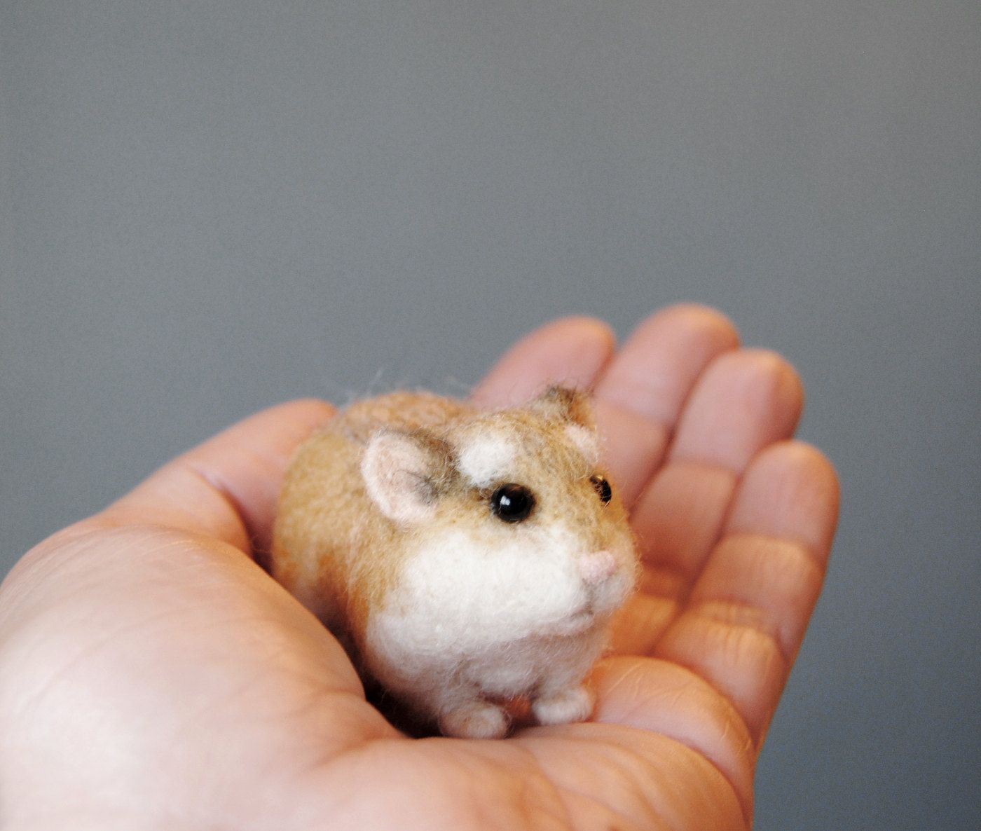 Robo Dwarf Hamster Realistic Needle Felted Hamster Roborovski Hamster Handmade Animal Made To Order Dwarf Hamster Robo Dwarf Hamsters Felt Animals