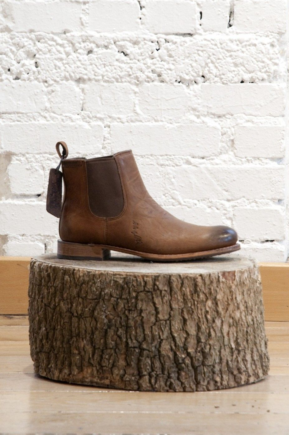 Great Caterpillar Chelsea Boots (The