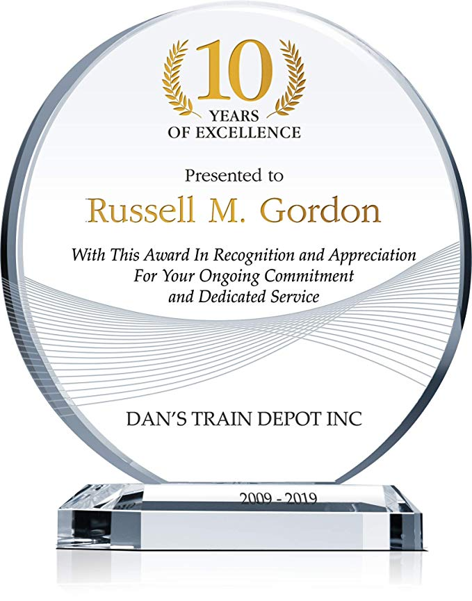 Amazon Com Personalized Crystal Circle Years Of Service Award Plaque Customized With Employee Comp Award Plaques Service Awards Employee Recognition Awards