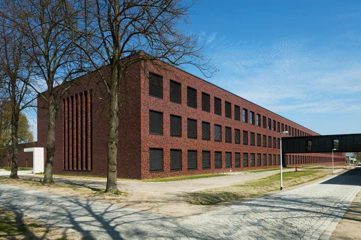 Bundesforschungsinstituts_fuer_tiergesundheit_des_friedrich_loeffler_instituts_auf_der_insel_riems  1.200×800 Pixel