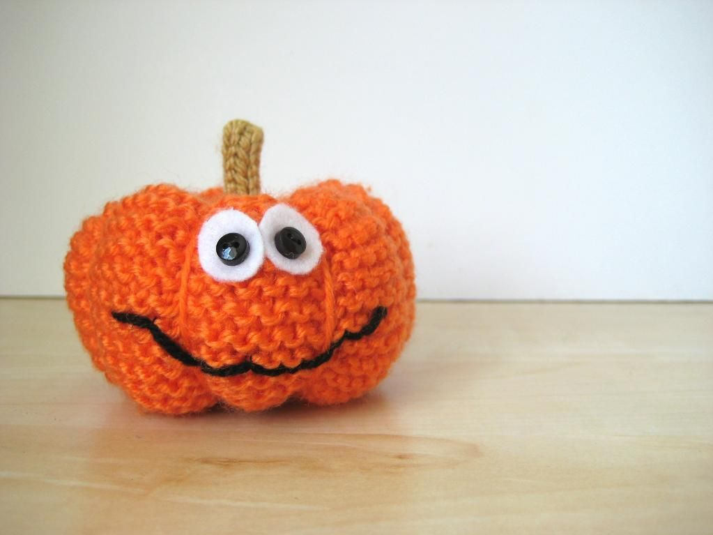 free knitting pattern pumpkin by amanda berry - Free Halloween Knitting Patterns