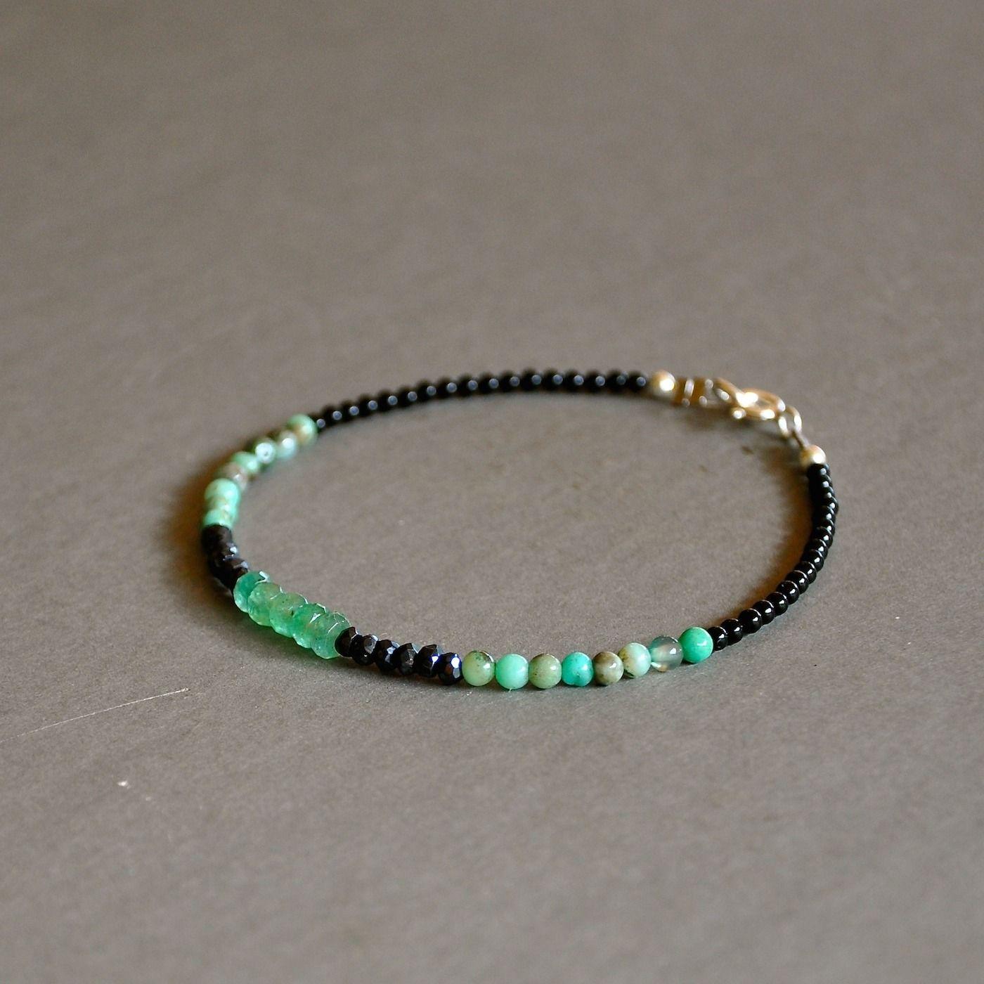 """Bracelet précieux pierres précieuses émeraudes et spinelles : Modèle """"Naya"""" : Bracelet par kanakeis"""