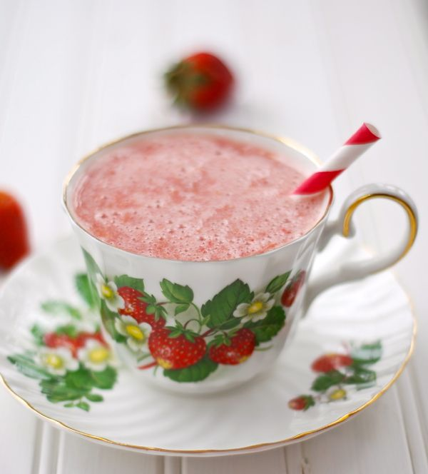 Darling Clementine Strawberry Smoothies