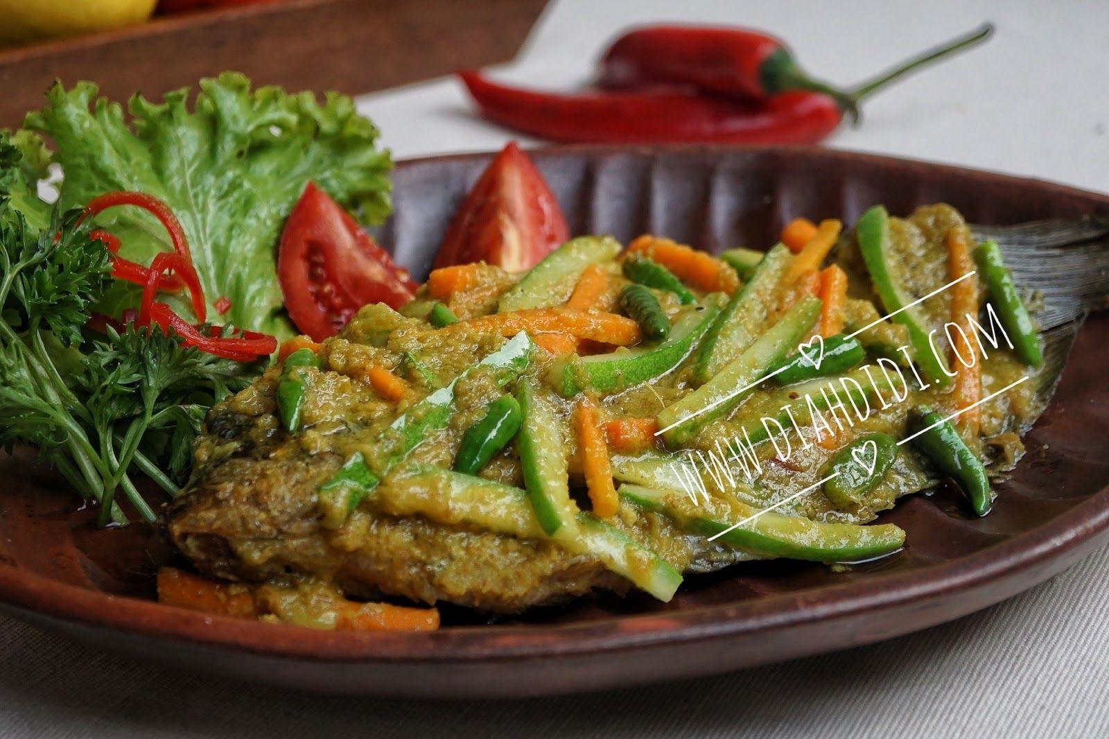 Ikan Gurame Goreng Bumbu Acar Kuning   Resep babi, Resep ...