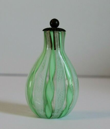 Vintage Perfume Bottle Made In Italy Green Ribbon Art Glass 3 3 4 Tall W Lid Ebay In 2020 Vintage Perfume Bottles Perfume Bottles Vintage Perfume