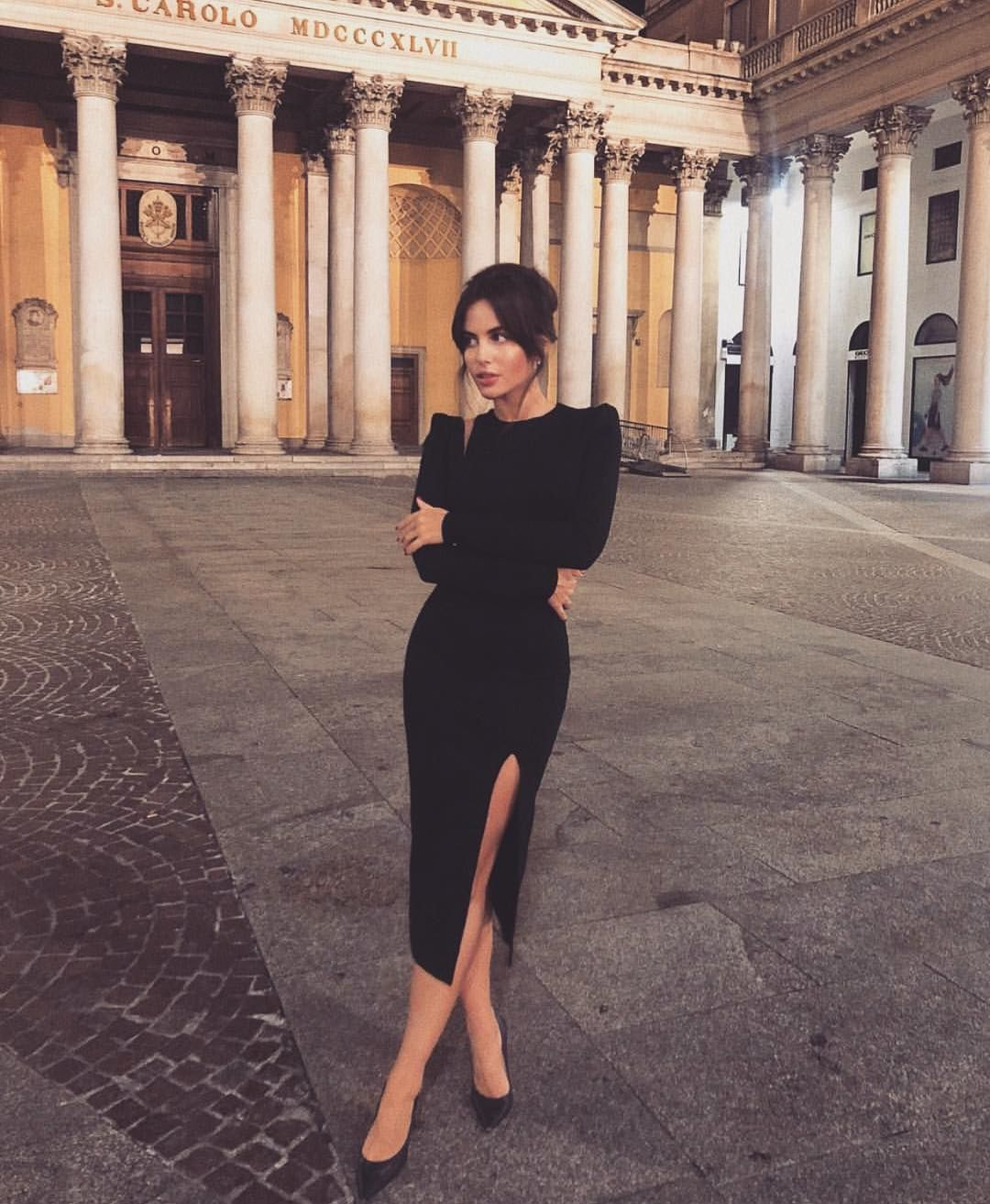 Doses Of Style On Instagram Black Dress Majorstreetstyle Classy Dress Classy Outfits Fashion [ 1313 x 1080 Pixel ]