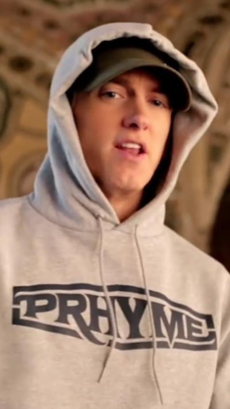 Eminem blasts Trump in 'Campaign Speech' 10/19/16