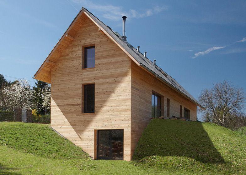 Family House In Cesky Raj By Stempel Tesar Familienhaus Haus