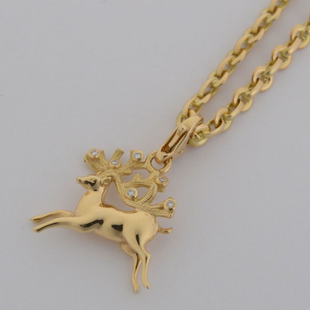 18k White Gold Plated Christmas Reindeer Pendant Necklace and Earring Set