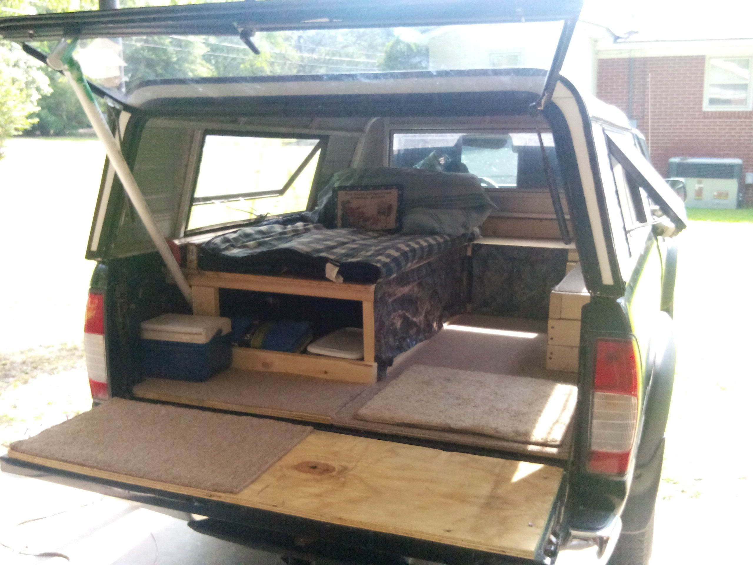 Camper Shell Camping >> Camper Shell On Camping Truck Camper Shells Camper Shells