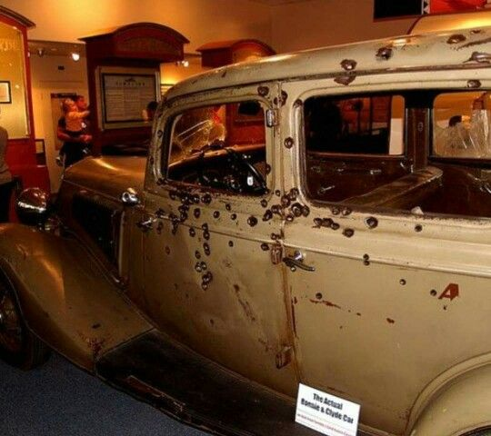 Bonnie And Clyde Were Well Known Gang Members Who Robbed Lots Of Banks Hurt Many People