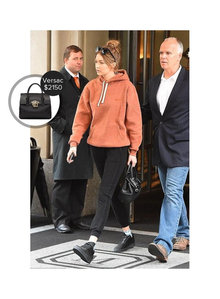 Gigi Hadid leaving her hotel in NYC #versace #karenwalker  #gigihadid @dejamoda