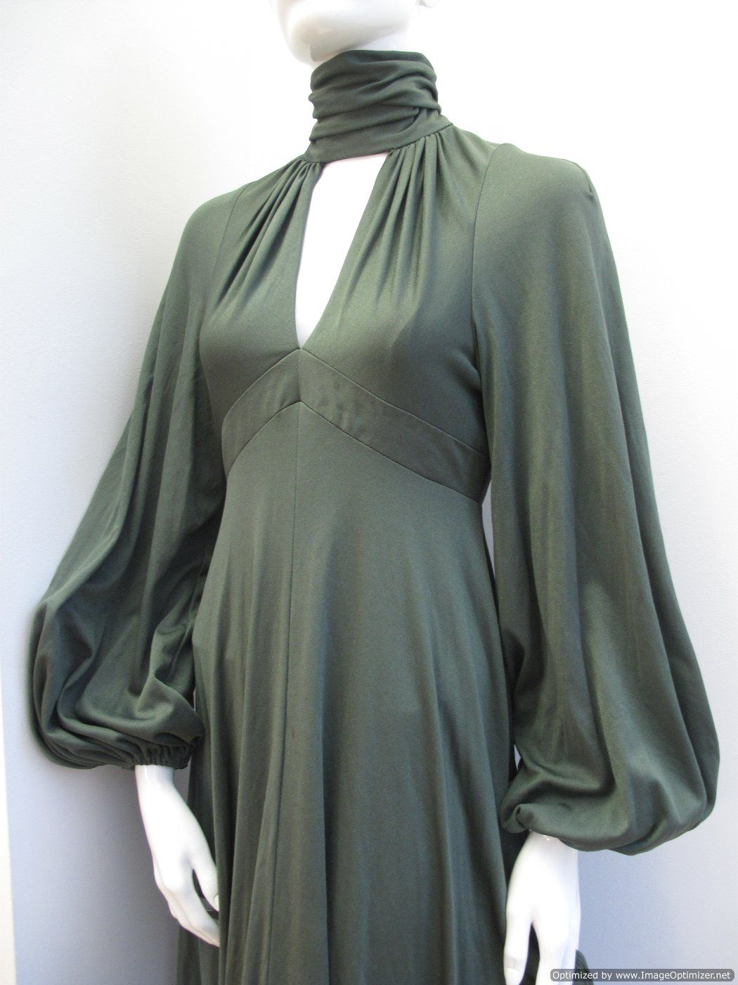 1970-s-olive-green-jersey-vintage-evening-dress-1235-p.jpg (1050×1400)