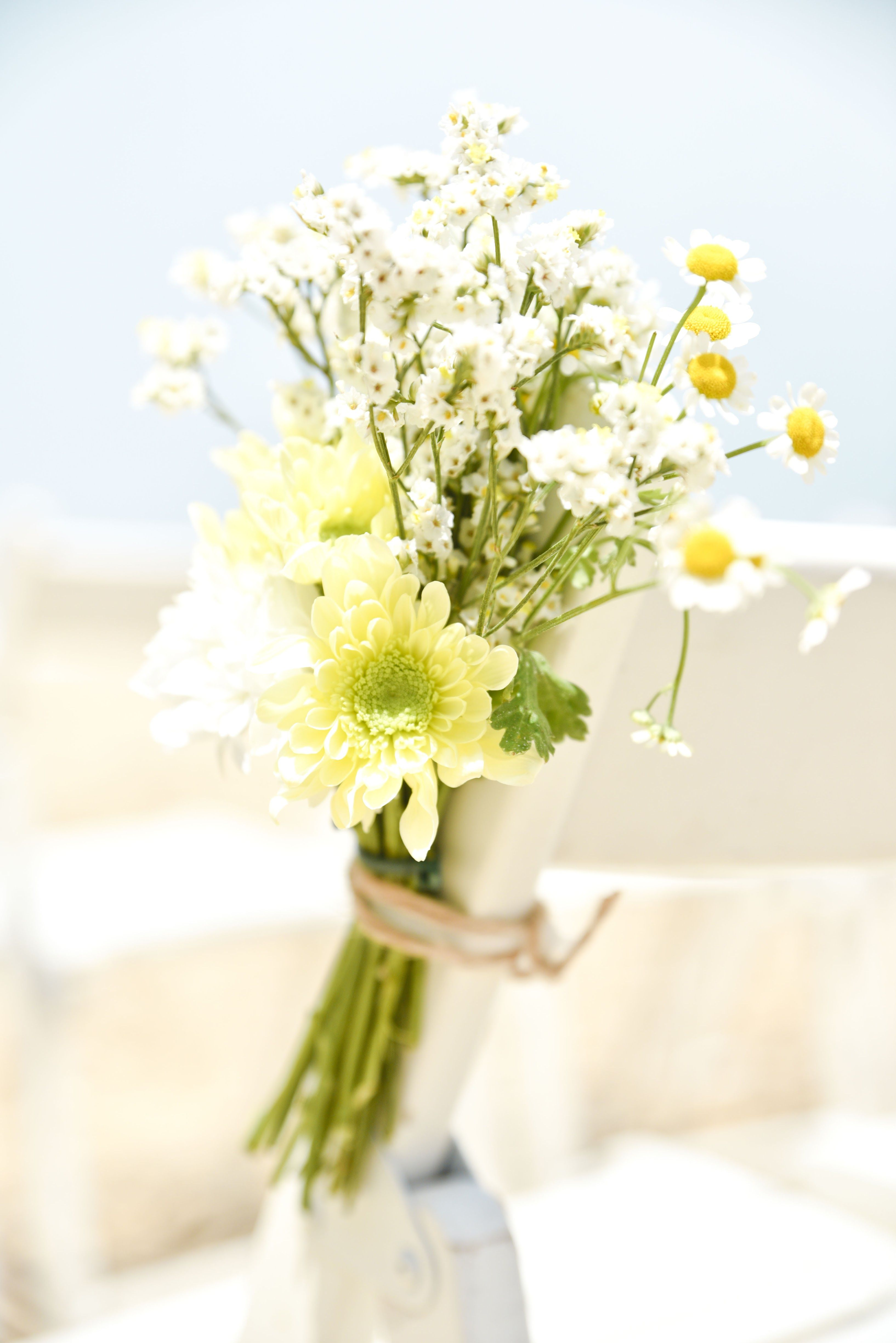 Flower Details - @vweddingportuga #weddinginportugal #vintageweddinginportugal #vintagewedding #portugalwedding #weddingportugal #weddingsinportugal #myvintageweddinginportugal #rusticwedding #rusticweddinginportugal #thequinta #weddinginsintra