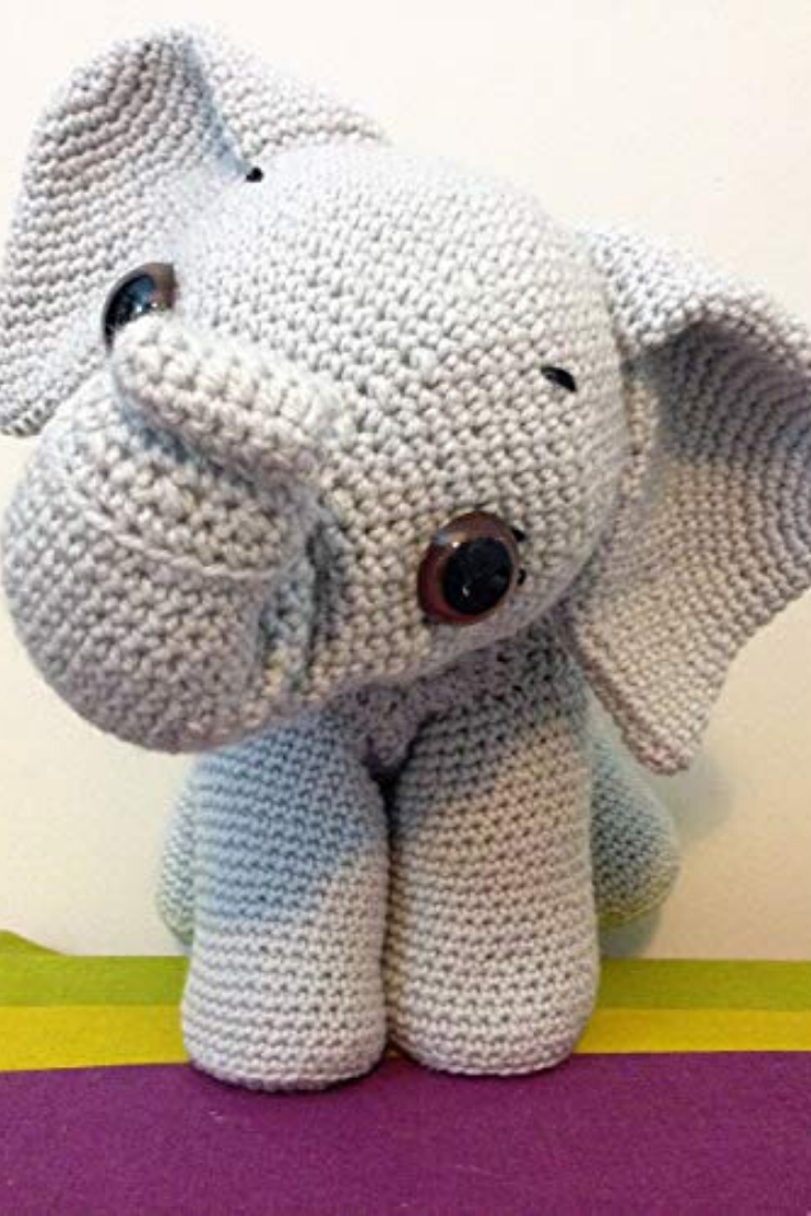 Elefante Amigurumi ( apenas trabalho) - YouTube | 1102x735