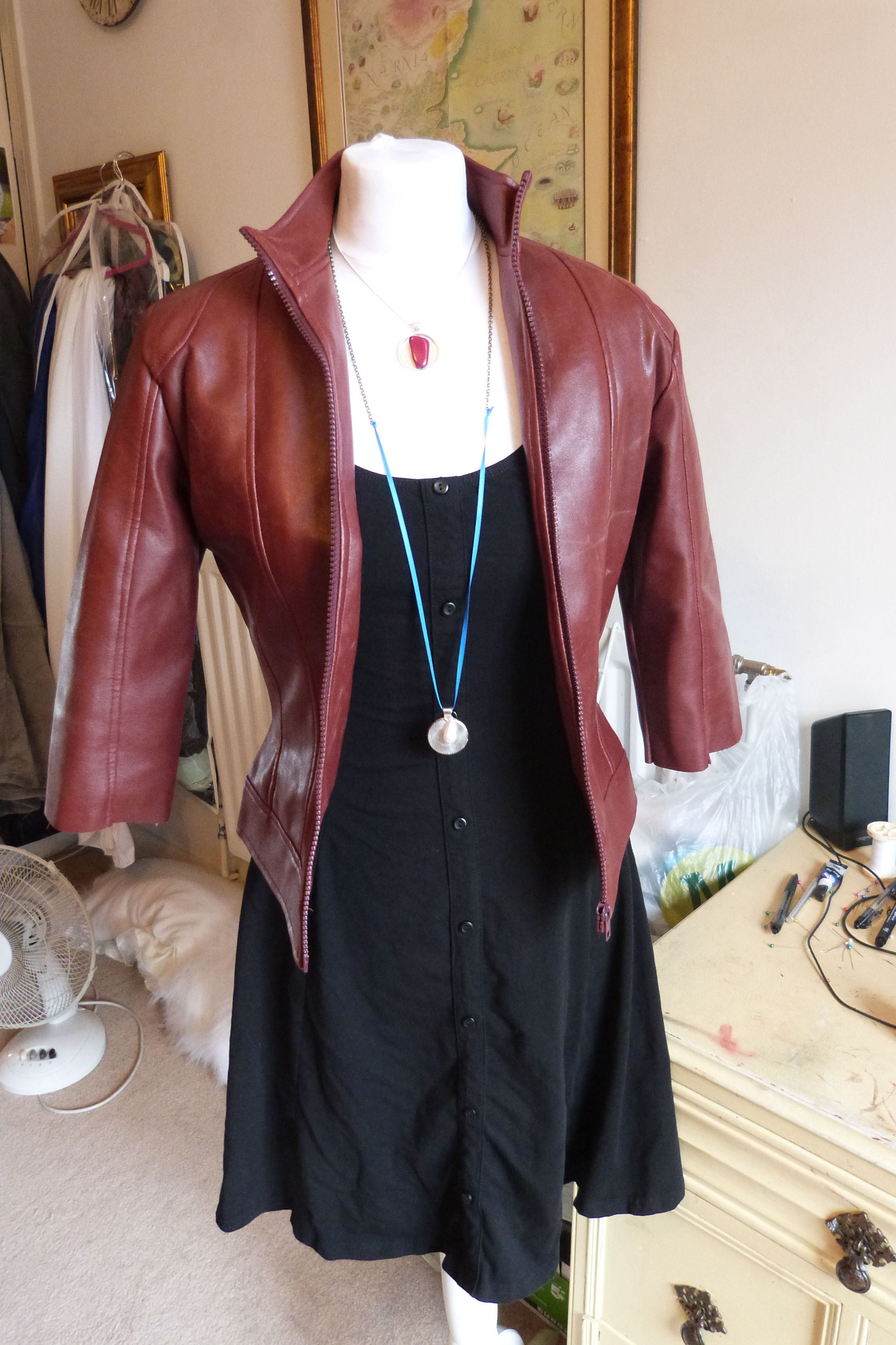 Wanda Maximoff Scarlet Witch Avengers Age Of Ultron Cosplay Costume