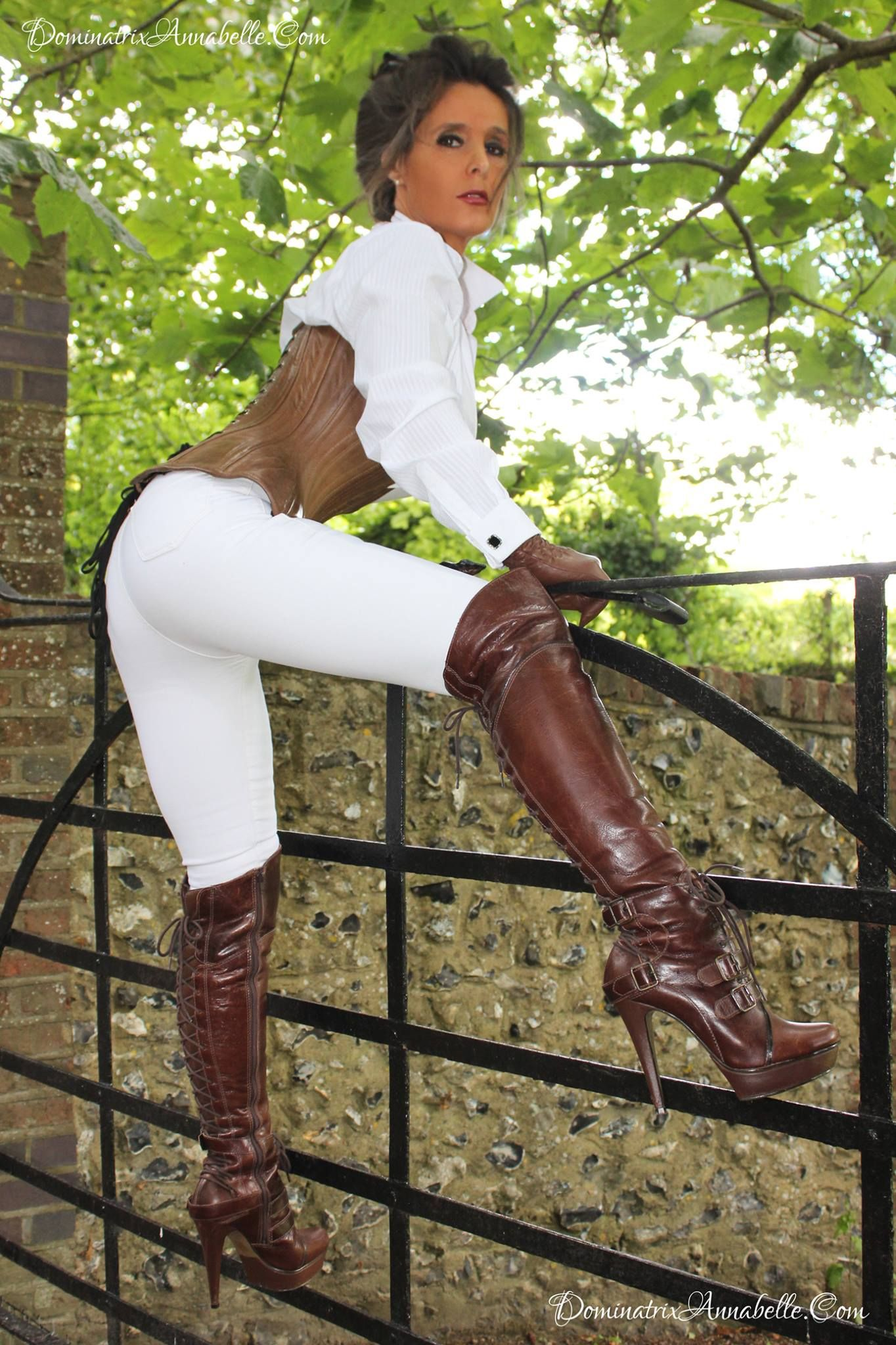 White Flat Leather Boots In Deep Mud